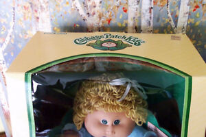 1985 Coleco Cabbage Patch Kid 'Mala Prudence' NIB Cambridge Kitchener Area image 8