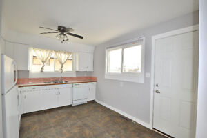 Side-by-side duplex! Live in one side and rent out the other! Regina Regina Area image 3