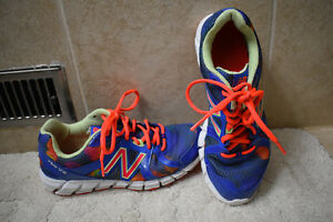Ladies New Balance 750 V2 Running Shoes- size 8