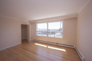 Beautiful, bright 3 Bedroom APT with amazing views