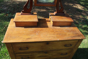 Old 3 Drawer Dresser with Mirror London Ontario image 4