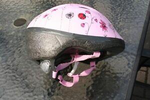 Casque de vélo pour fille (fillette enfant) de marque Bell Saguenay Saguenay-Lac-Saint-Jean image 2