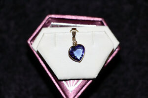 Hand Fashioned Bezel Set Tanzanite and Diamond Pendant Edmonton Edmonton Area image 3