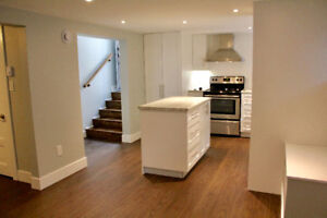 PRIME West End: Bright, Clean, Renovated 1 Bedroom Suite