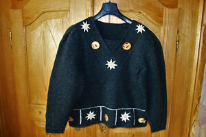 Wool sweater with beautiful embroidery – made in Austria