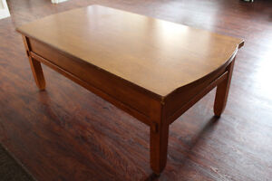 Broyhill Wood Coffee Table / Kneeling Desk With Large Drawers Peterborough Peterborough Area image 8