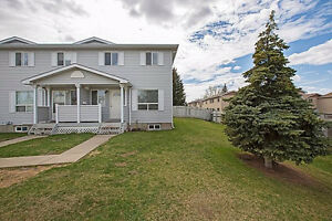 Perfect 4 bed 3 bath town home!