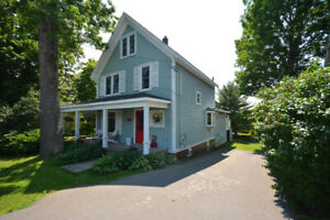 Gorgeous Central Windsor Home!