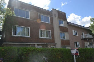 bright 3 bedroom apartment near University of Montreal;Hospitals
