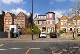 2 bedroom flat in Madeley Road, London, W5(Ref: 6718)