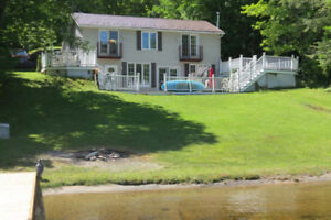 Four Bedroom Haliburton Cottage Rental ~ Close to Town