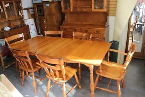 ★ MINT COND - ROXTON MAPLE DINING SET - 7 PCE★ ONLY $395
