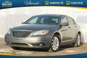 Chrysler 200 4dr Sdn Touring 2012