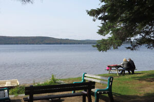 September stay for 4 with a private hot tub $900/week + hst