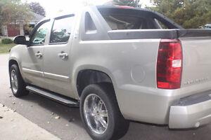 2007 Chevrolet Avalanche Pickup Truck