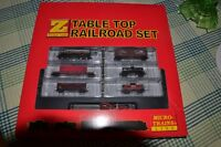 Z SCALE TABLE TOP TRAIN SET