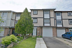 Bright & Spacious Freehold Townhouse Home In Desirable Liverpool