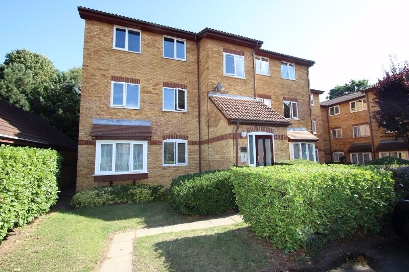 Two Bedroom Flat Situated In Friern Barnet