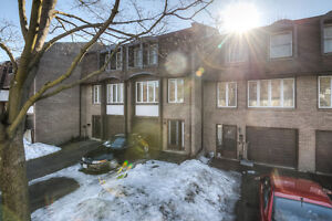 3 Bedroom Townhouse For Sale Great Location in Kitchener