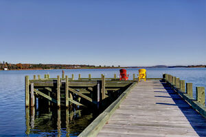 Spectacular waterfront lifestyle -102  Peninsula Road Chester