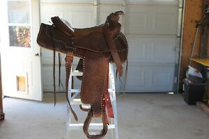 Western Saddle/English Saddle