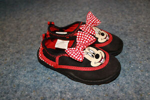 Size 7/8 Minnie Mouse Water Shoes Kawartha Lakes Peterborough Area image 1