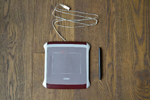 Wacom Graphic Drawing Tablet with Pen - Small