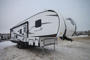 BLOWOUT PRICE ON BRAND NEW BUNK MODEL FIFTH WHEEL