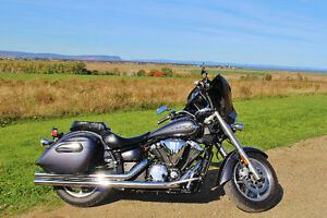 Want a bike next spring!? Yamaha V-Star Deluxe with extras!
