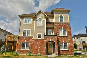 BEAUTIFUL 4 BEDROOM TOWNHOUSE @ UPPER CENTENNIAL PKWY / MUD ST