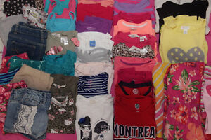 Lot of Girls Size 7-8 Clothing (41 Pieces) Lot de vêtements