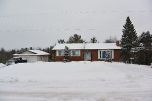 9 Charlore Park Dr, Omemee - Great Family Home