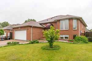 I HAVE A NEW LISTING @ 1701 ST CLAIR. SOUTH WINDSOR 519.995.7600