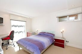 furnished double room with en-suite bathroom in Wimbledon.