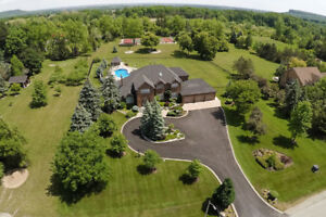 BURLINGTON'S KILBRIDE ~ COUNTRY ESTATE ON 2.7 ACRES!