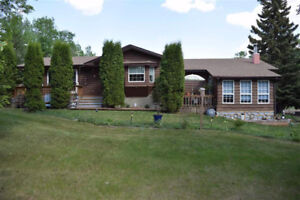 ****BUNGALOW in STRATHCONA COUNTY on 2.99 ACRES, BUILT 1963*****