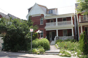 $ 1895 / 2br -1000 sq ft - 2 Bdr. Apt - GLEBE/Old Ottawa South
