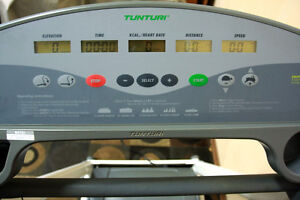 LIKE NEW !!! Tunturi FOLDING T 3.5 J Treadmill SEE VIDEO Kitchener / Waterloo Kitchener Area image 5