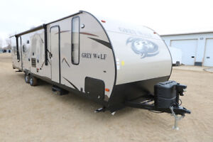 WOW!  SAVE $3000!  TWO QUEEN BED TRAVEL TRAILER