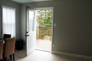 ALL INCLUDED One-bedroom Apartment with large fence backyard