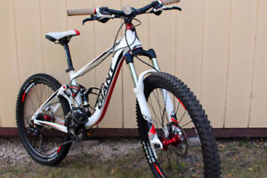 Giant Trance X4 Full Suspension (X-Small)