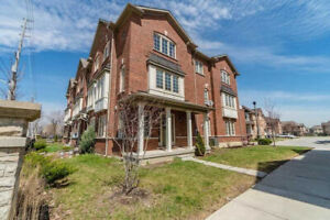 Spacious Corner Unit Townhouse for Sale (T-3034)