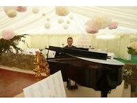 Pîanist for weddings & events (also with White Piano Shell)