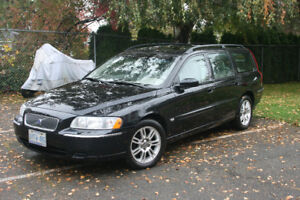 2006 Volvo V70 Wagon **LOW KMs