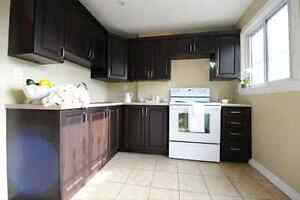 Beautiful 2 bedroom, Steps to Hamilton General Hospital !!!