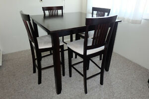 MOVING SALE: Great Furniture Items Must Go!
