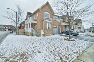 4 Bedroom Freehold Town Home With A Finished Basement