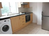 2 bedroom house in Woodstock Road, London, N43