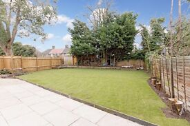 Beautiful 3-Bedroom Semi-Detached House to Rent - Wimbledon Chase