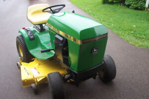 Antique John Deere Model 116 lawn tractor